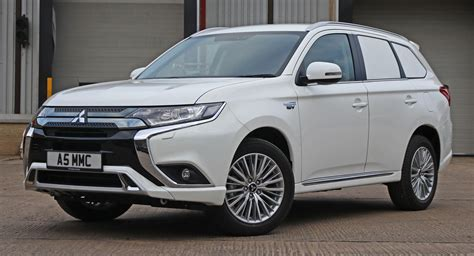Mitsubishi Commercial by Mitsubishi Commercial Outlander Goes Green With Phev