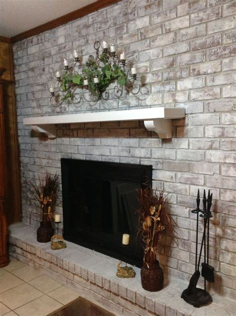 white wash fireplace 38 awesome whitewashed fireplace designs digsdigs