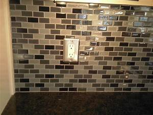 Atlanta kitchen tile backsplashes ideas pictures images for Pictures of glass tile backsplash in kitchen