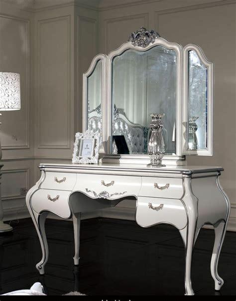 modele de coiffeuse de chambre chambre style baroque luxueuse et pleine de caractère