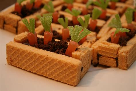 Delish editors handpick every product we feature. Carrot Garden Beds - what a cute Easter dessert using U-Bake Sugar Free Wafers (With images ...