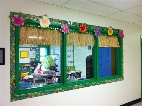 decorated hallway window looking into the classroom 984   75d3afaafb49a3c5752411dc4dcfca06