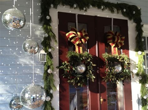 victorian front porch decorated  christmas  diy