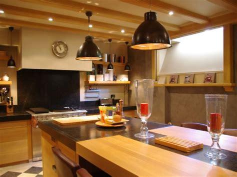 cuisine en sous sol transformer un sous sol en pièce à vivre les plus belles