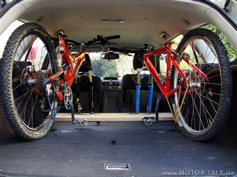 fahrrad im auto transportieren kofferraum fahrrad transportieren im e91 kofferraum bmw 3er e90 e91 e92 e93 203524280
