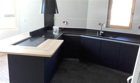 cuisine gris et bois cuisine moderne gris anthracite mat et bois massif