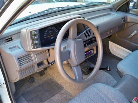 purchase   isuzu pickup  standard cab pickup