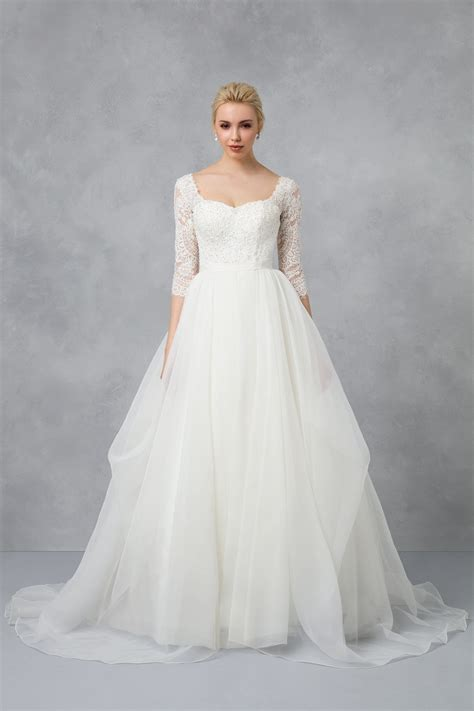 organza  sleeved wedding dress cwg