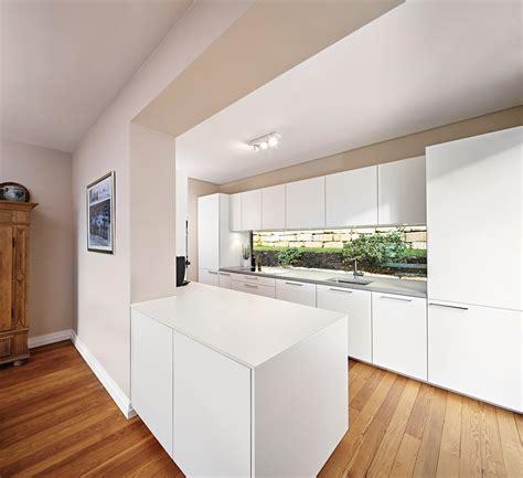 Kompletteinrichtung Mit Poggenpohl Küche Und Hellen Möbeln