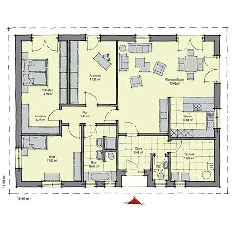 Großer Bungalow Grundriss by Gro 223 Er Walmdach Bungalow Mit Reizvoller Mischfassade