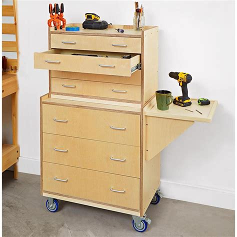 tool chest woodworking plan  wood magazine