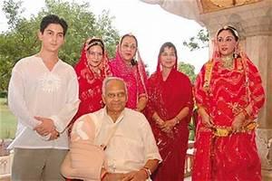Jaipur's Siamese Twinge