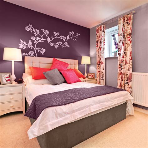 chambre couleur violet la couleur aubergine pour la chambre chambre