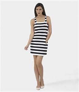 Robe femme sans manches a large rayure noir noir blanc for Robe petit bateau femme