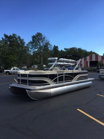 Pontoon Boats On Lake Michigan by Pontoon Boats For Sale In Houghton Lake Michigan