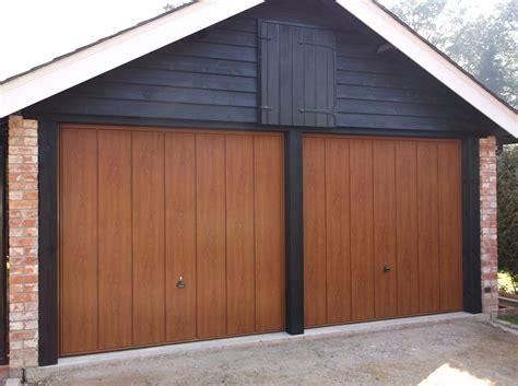 Garage Door Repairs Gosport Hampshire  Local Garage Door