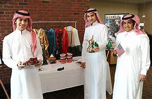 New generation's clothing line.: Saudi traditional clothes ...