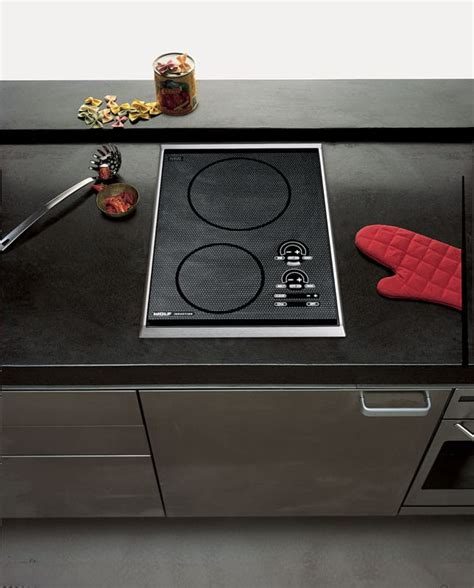 wolf ctis   induction cooktop   induction elements power boost true simmer melt