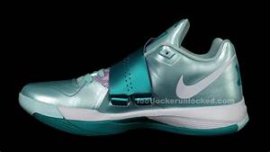 "Nike Zoom KD IV ""Easter"" - New Images"