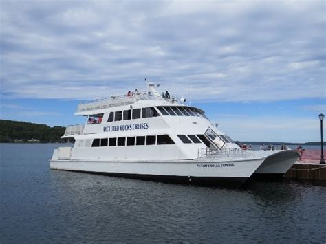 Boat Tours In Pictured Rocks by Battleship Row Picture Of Pictured Rocks Cruises