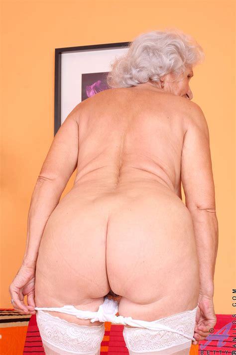 Sex Starved Granny Naked Celebs Caught