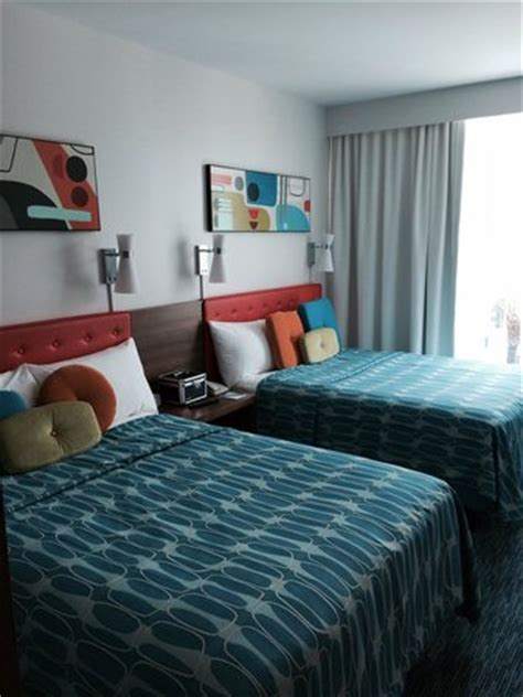 cabana bay two bedroom suite 2 family suite bedroom continental tower poolside