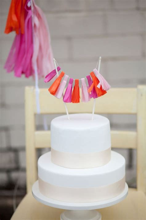 Special Wedding Gowns Simple Wedding Cake