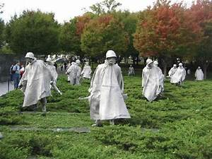 Near the pool of remembrance - Picture of Korean War ...