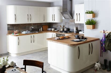 pro kitchen cabinets 36 best gloss kitchens images on 1662