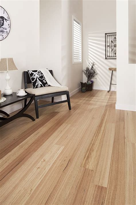 Tasmanian Oak (Super Matt)   ArrowSun Specialty Flooring
