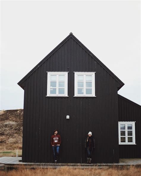 Barn With Black Trim by 25 Best Ideas About Black Barn On Black House
