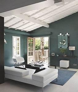 peindre un plafond avec une peinture couleur deco With peindre des poutres en bois 12 du lambris trop de lambris