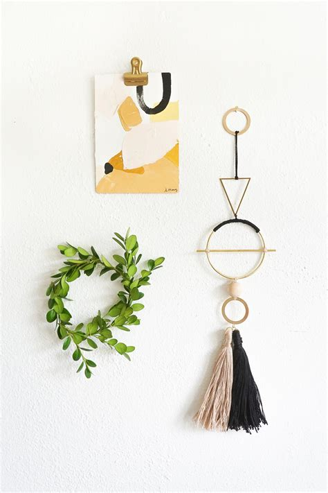 In brief, if you're customizing your home, perfect concept is in the details. DIY Geometric Metal Wall Hanging | Diy wall decor, Diy, Diy projects