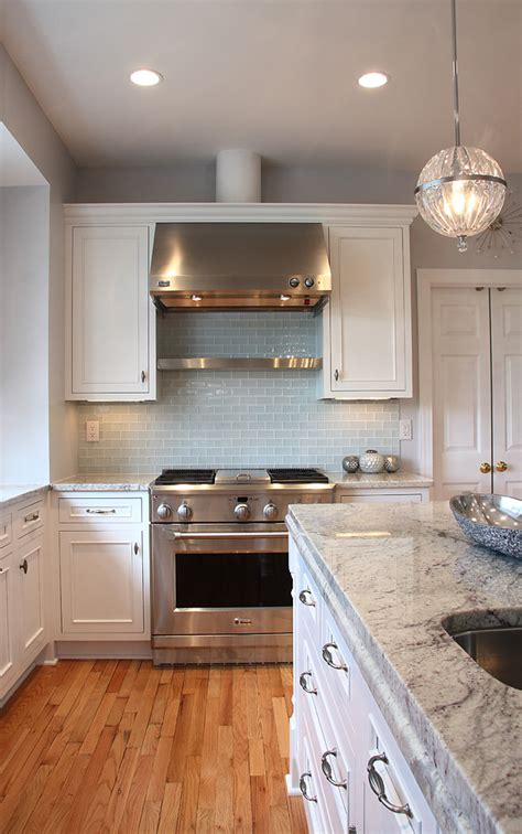 should your kitchen island match your cabinets granite countertops match your kitchen cabinets founterior
