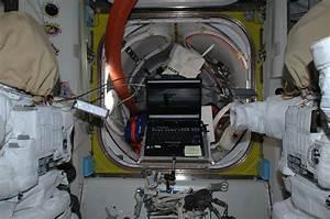 NASA - NASA Astronaut Watches New Star Trek Movie in Space