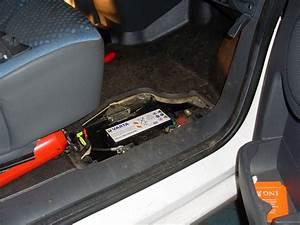 Fiat Scudo   Battery Fusebox  Interior