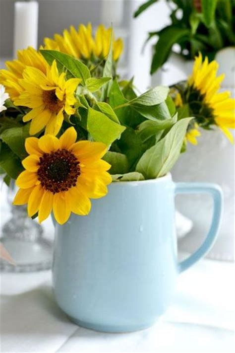sunflowers table centerpieces add sunny yellow color