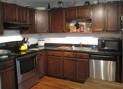 how to restain kitchen cabinets restaining kitchen cabinets wow