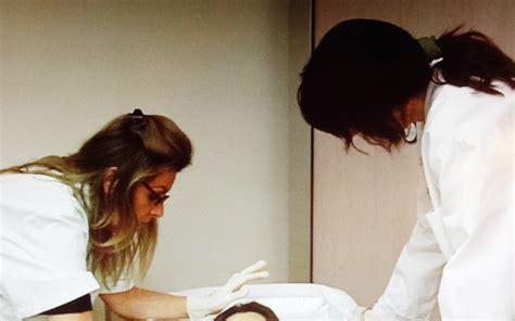 Chambre Des Metiers La Rochelle - à l hôpital ces soignants qui préparent nos morts pour
