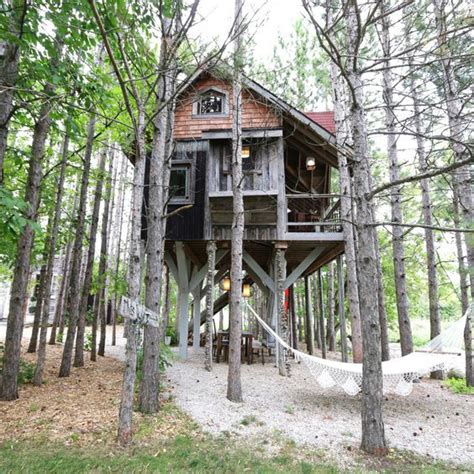 Awesome Treehouse Retreat Cabin Hideaway by Awesome Treehouse Retreat And Cabin Hideaway Decoholic