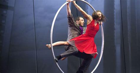 cirque bureau cirque eloize réinvente la vie de bureau morning