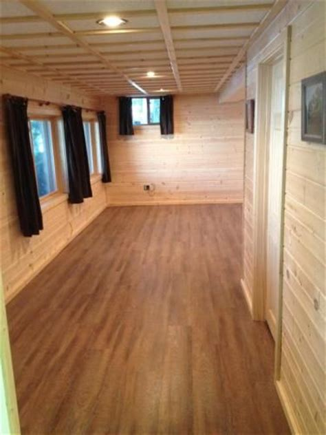 Resilient Plank Flooring Sedona by Ultra 7 5 In X 47 6 In Sawcut Arizona Resilient