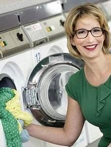 Waschmaschine Richtig Reinigen : w sche richtig waschen 10 n tzliche tipps von expertin yvonne willicks haushaltstipps ~ Markanthonyermac.com Haus und Dekorationen