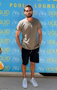 Scott Disick hosts a pool party in Las Vegas | Daily Mail ...