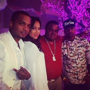 Lil Kim Treats Baby Girl like Royalty at Her Baby Shower