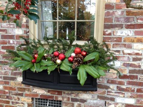 decoration de noel exterieur idee plante fenetre windows