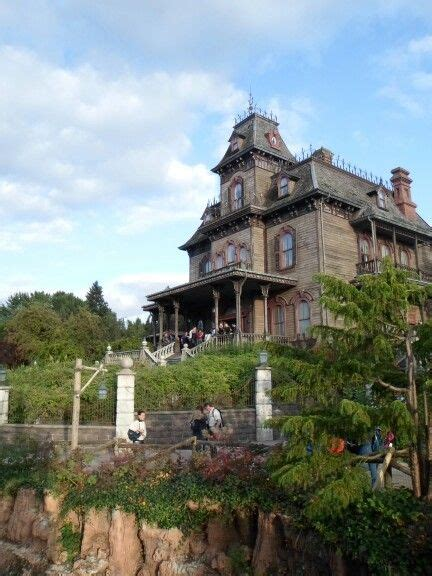 La Casa Infestata by La Casa Infestata Da 999 Fantasmi Disneyland