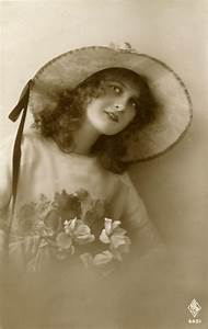 Old, Photo, -, Pretty, Vintage, Lady, With, Big, Hat