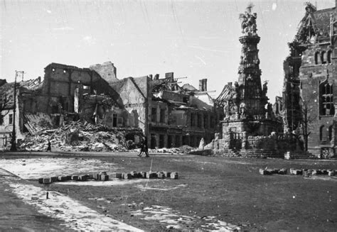 siege of budapest after the siege in wrenching photographs