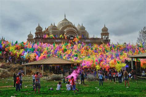 indian color festival hossein esmaeili festival of colors sri sri radha krishna